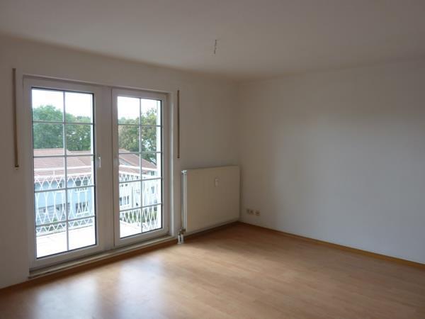 Wohn-Schlafraum mit Balkon
