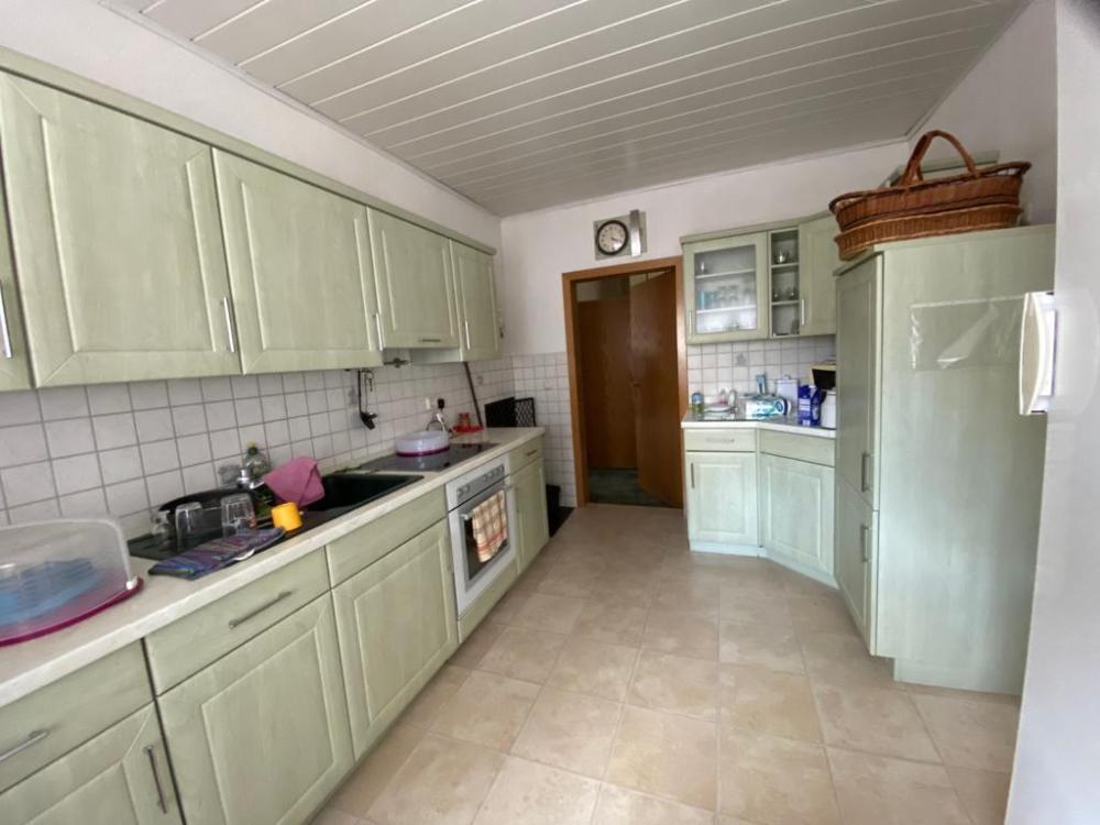 EG - Küche mit Einbauküche