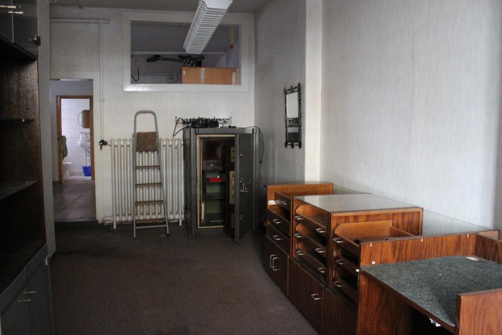 Werkstatt mit Tressor